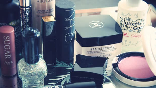 cosmetic-expiry-chart-and-how-to-extend-makeup-shelf-life