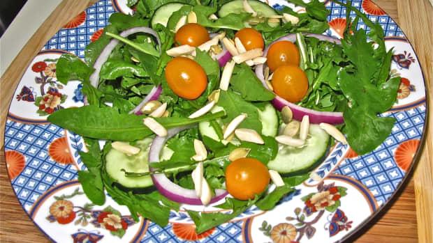 recipe-how-to-make-fresh-dandelion-greens-salad