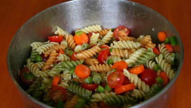 easy-pasta-salad-recipe-with-italian-dressing