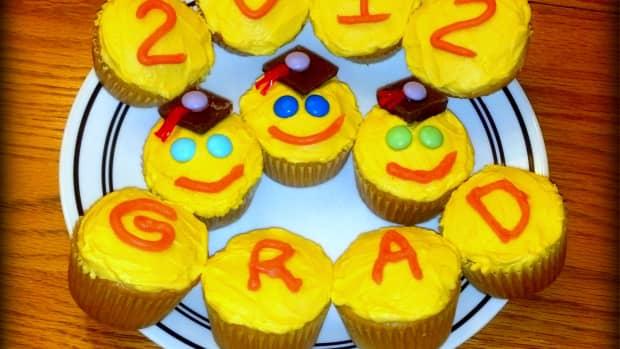 graduation-cupcakes-cupcake-decorating-ideas