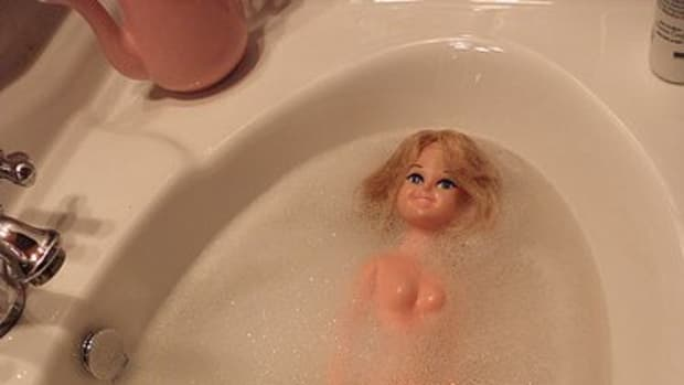 how-to-restore-and-clean-barbie-dolls