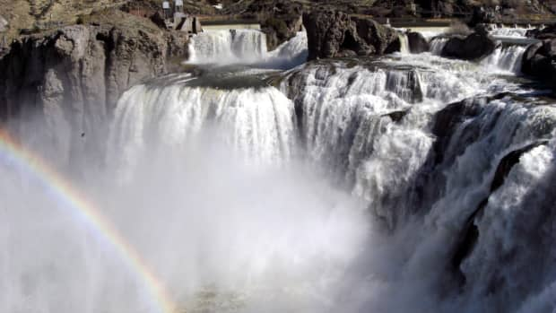 visit-shoshone-falls-and-perrine-bridge-in-twin-falls-idaho