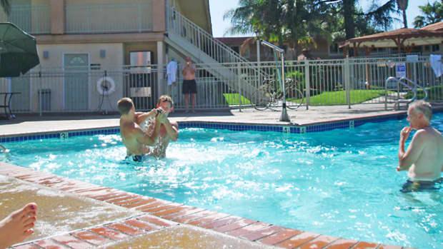 chlorine-vs-salt-water-pools
