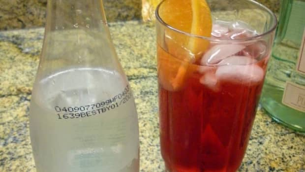 cranberry-and-rum-drink-delicous-and-festive