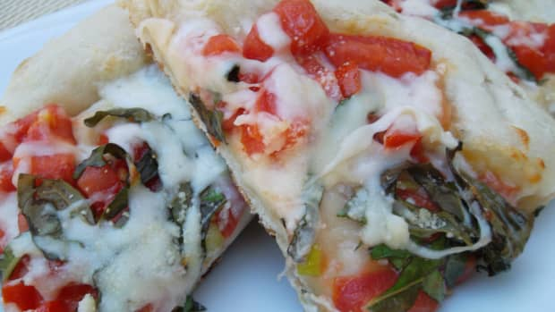 pizza-margherita-homemade-pizza-on-gas-grill