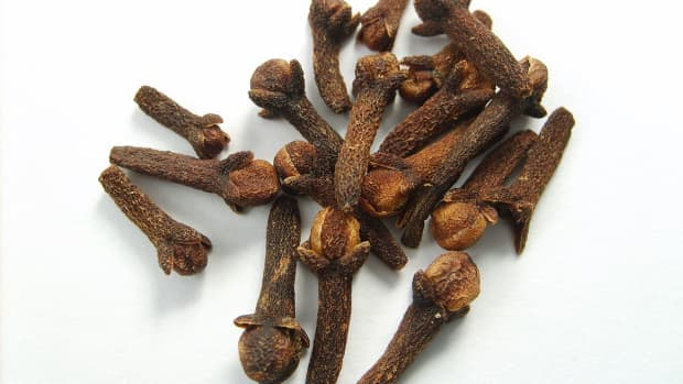 cloves-clove-oil-and-eugenol-culinary-and-medicinal-uses