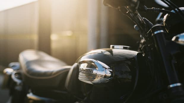 how-to-re-paint-a-motorcycle-gas-tank