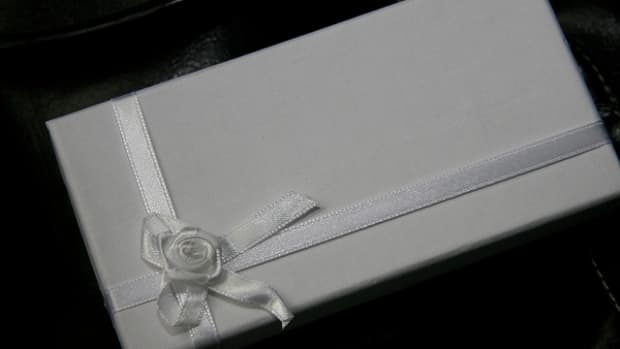 wedding-gift-ideas-for-second-or-third-or-fourth-marriages-or-for-older-couples