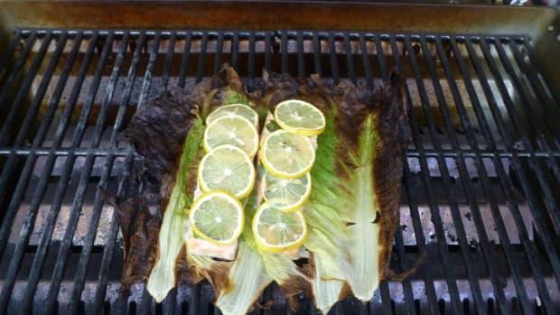 salmon-grilled-on-romaine-lettuce