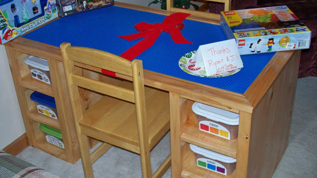 how-to-make-a-lego-table-out-of-wood