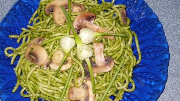 spinach-pesto-a-tasty-change-from-basil-pesto-recipe