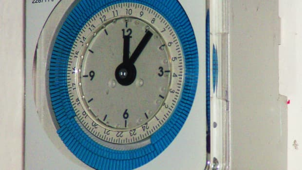 advantages-of-installing-a-timer-switch