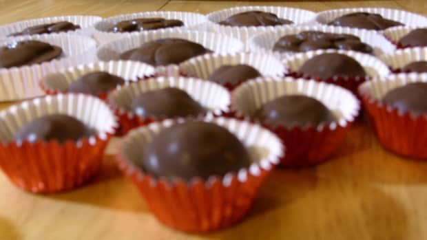 make-chocolate-candy-quick-and-easy-using-candy-melts