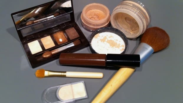 is-your-makeup-causing-your-acne