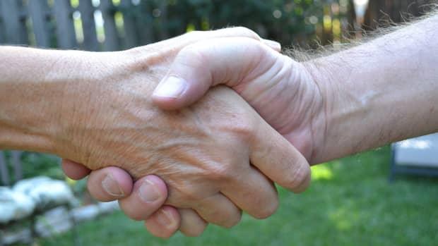 redefining-customer-service-growing-relationships