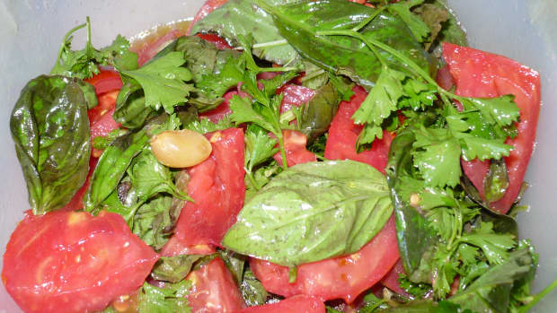 marinated-tomato-basil-salad