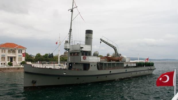 about-world-war-1-gallipoli-saved-by-turkish-minelayer-nusret