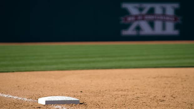 how-to-get-from-1st-to-3rd-base-in-baseball-on-a-base-hit