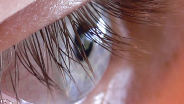 how-to-get-beautiful-eyelashes-and-eyebrows-with-castor-oil