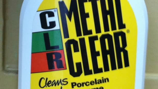 cleaning-stainless-steel-with-clr-metal-clear