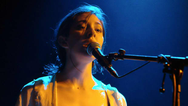 the-meaning-of-the-song-bruises-by-chairlift