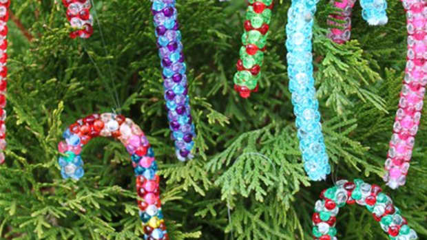 candy-cane-crafts-a-sweet-beaded-ornament