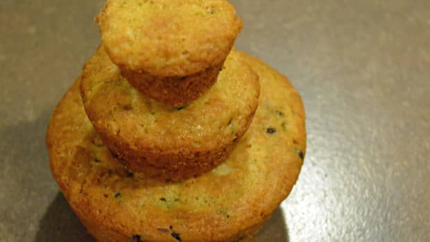 how-to-tweak-a-muffin-recipe-to-make-extra-large-muffins