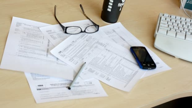 how-to-claim-your-girlfriend-on-your-taxes-if-she-lives-with-you