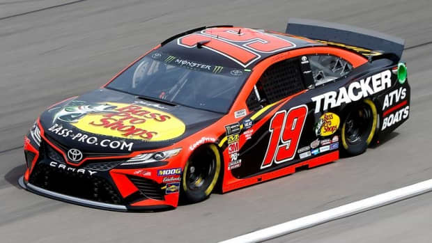 funny-and-clever-fantasy-nascar-team-names