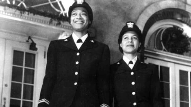 first-black-female-naval-officers-frances-wills-harriet-pickens