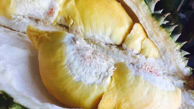 worlds-weirdest-fruits
