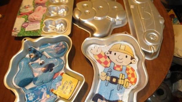 wilton-cake-pan-cartoon-characters-on-ebay
