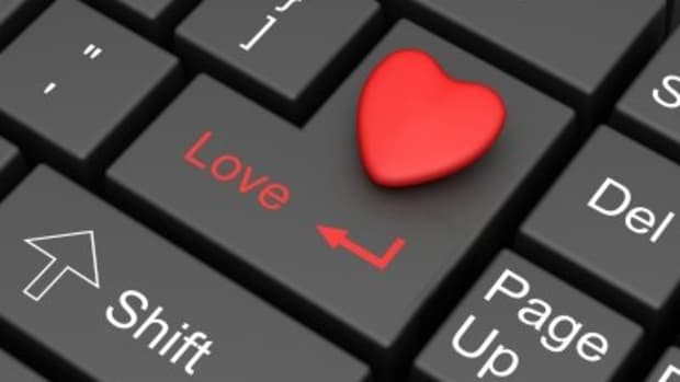 romance-scam-threatened-both-male-and-female-revived-in-cyberspace-left-broken-hearts-and-wallets