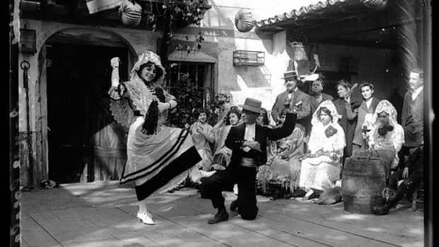 spanish-traditional-flamenco-dress