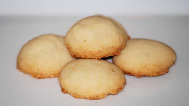 island-bites-polvorones-puerto-rican-shortbread-cookies