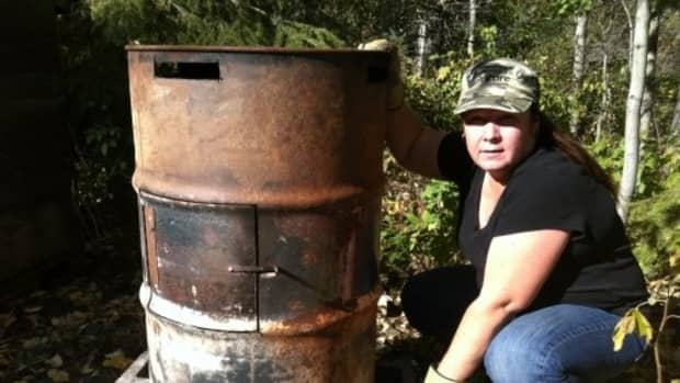 how-to-build-your-own-non-recyclable-waste-incinerator