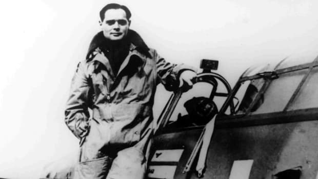 world-war-2-history-legless-pilot-in-the-raf
