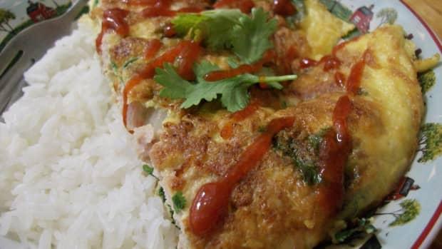 thai-omelette-recipe-kai-jeow-moo-sub