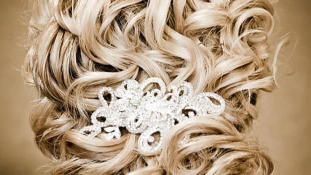 wedding-hair-stylists-what-they-offer-and-what-they-cost