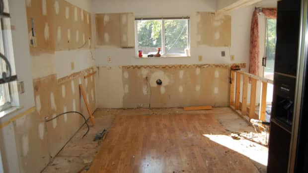 true-ghost-encounters-when-home-renovations-wake-the-dead