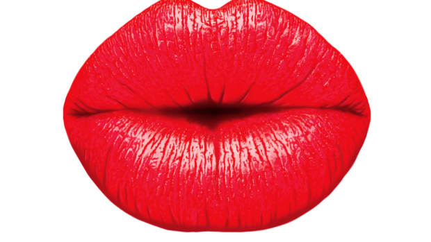 how-to-apply-lipstick-like-a-pro