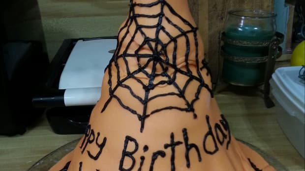 how-to-make-a-witchs-hat-cake