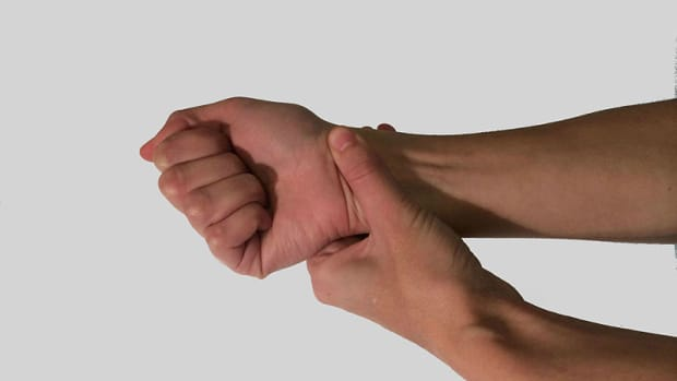 carpal-tunel-syndrome-treatments-stretches-and-exercises