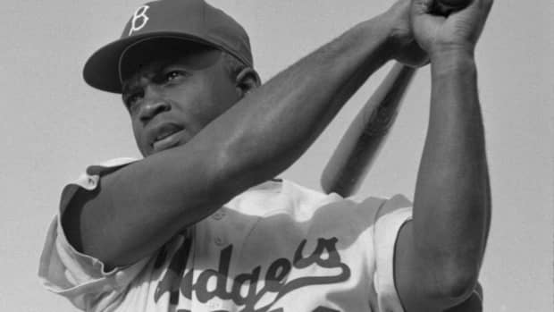 jackie-robinson-and-the-struggle-of-becoming-the-first-black-player-in-major-league-baseball