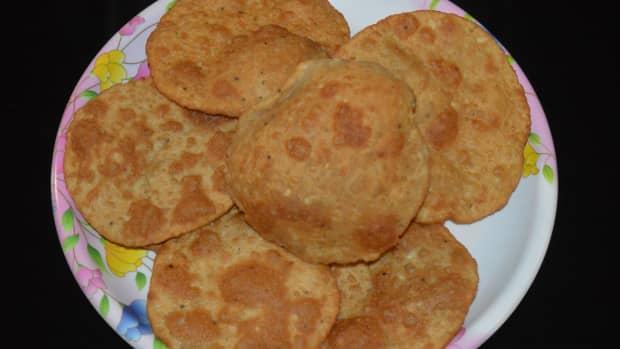 how-to-make-bedmi-poori-urad-dal-poori