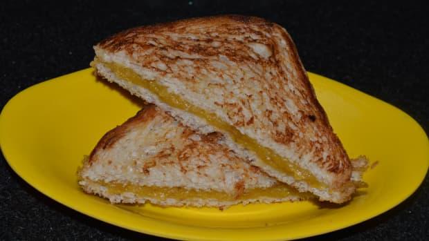 how-to-make-ripe-plantain-nendra-banana-sandwich