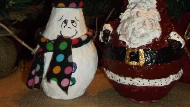 paper-mache-clay-light-bulb-snowman-and-santa
