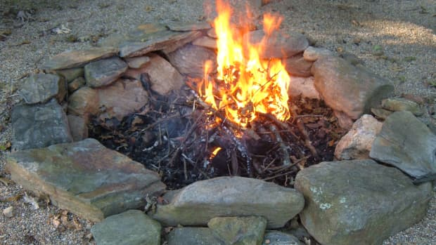 build-a-backyard-fire-pit-using-fieldstone