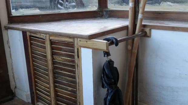 how-to-make-a-simple-walking-stick-and-umbrella-rack