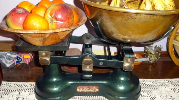 makeover-of-an-old-pair-of-scales-to-multipurpose-it-as-a-fruit-bowl